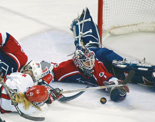 Sara DeCosta backstopped Team USA  to an Olympic silver medal in 2002.